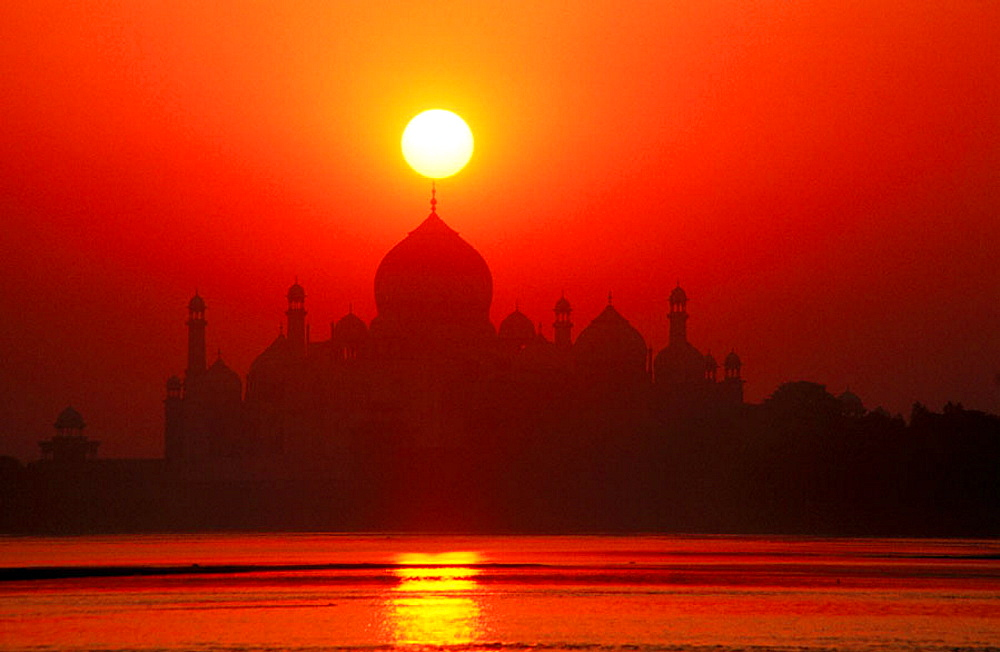 Taj Mahal at dawn, from Jumna riverbank, Agra, India - 817-116707