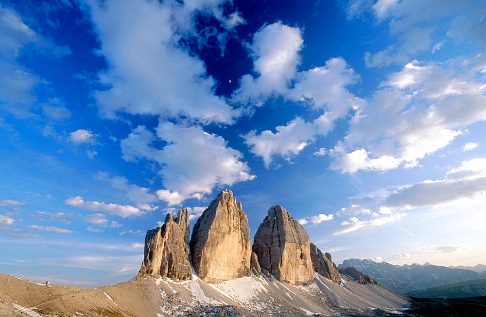 Tre Cime di Lavaredo (Three Chimneys), Lavaredo, Sextener Dolomiten, Alps, Dolomites, Italy