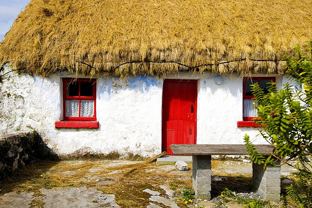 Traditional Irish cottage with thatched roof, Inishmore, Aran Islands, Galway Co, Ireland