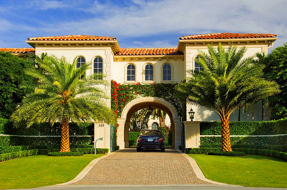 Large homes in West Palm Beach, Florida, USA, 2008