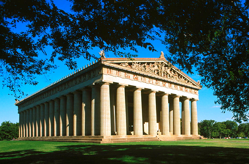 The Parthenon in Centennial Park, a replica of the Athens temple build for the Tennessee centennial, Nashville, Tennessee, USA