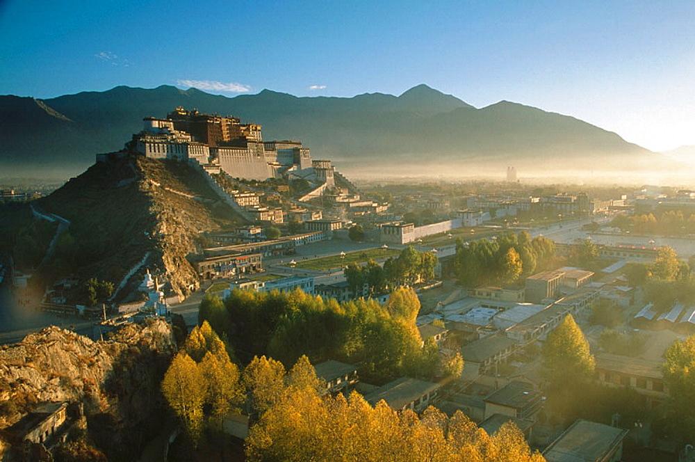 Potala Palace, exiled Dalai Lamas winter palace, Tibet