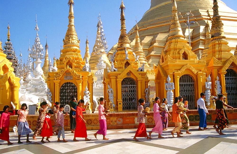 Confirmation of buddhist boys at Shwedagon Pagoda, Rangoon, Myanmar - 817-132202