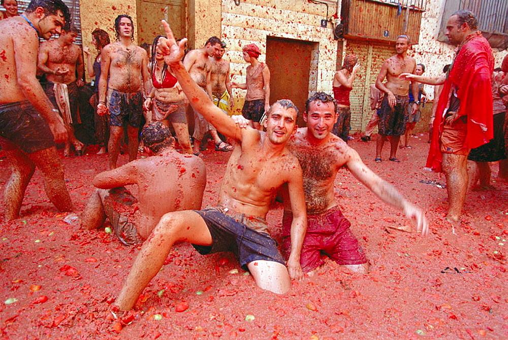 The 'tomatina' festival, Bunyol, Valencia province, Spain - 817-132422