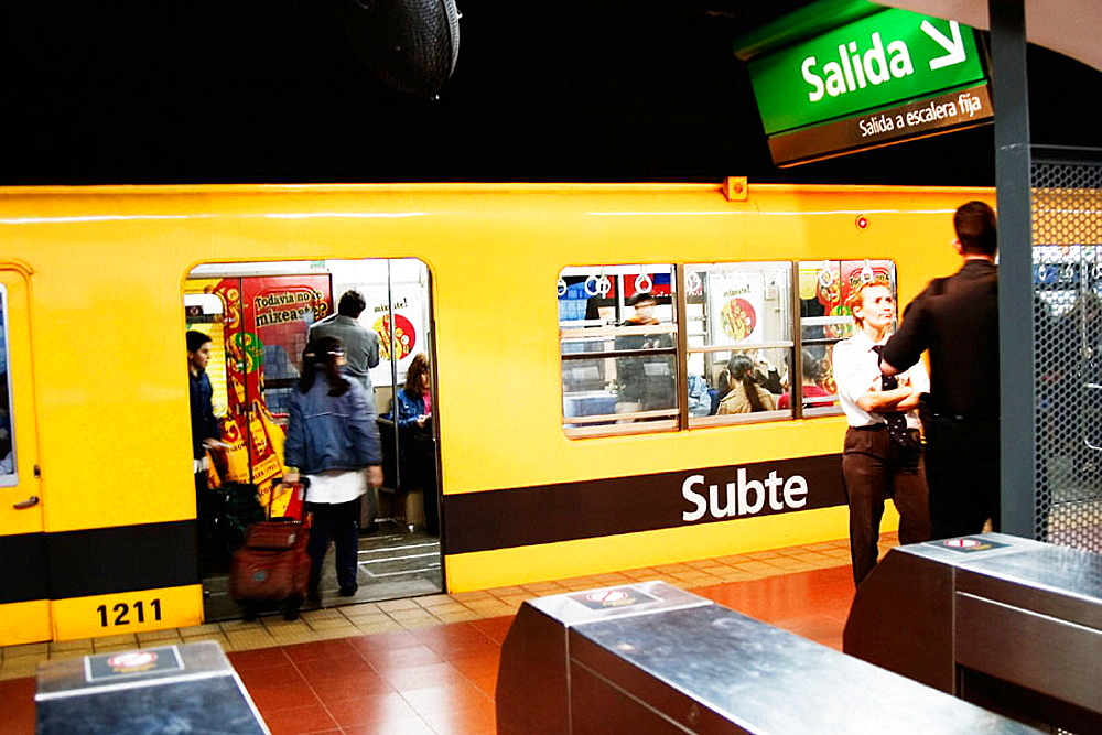 Subway in Buenos Aires, Argentina - 817-137028