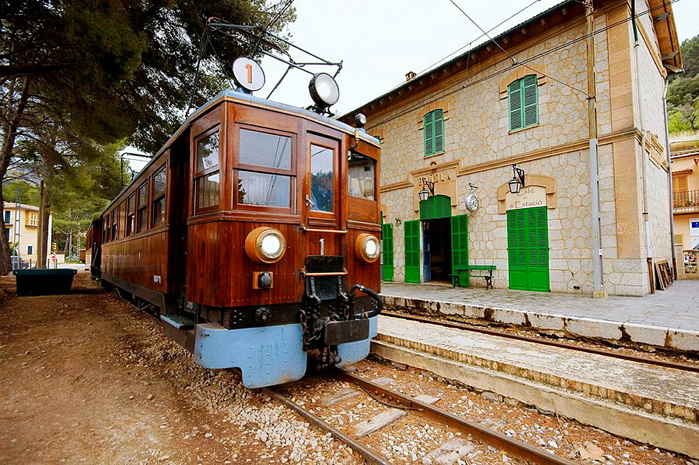 Railway station, Soller, Serra de Tramuntana, Majorca, Balearic Islands, Spain