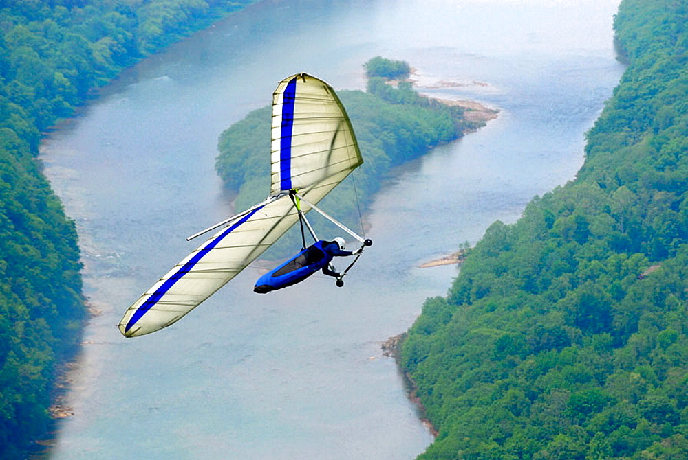 Hang gliding over the Susquehanna River at Hyner View State Park at Hyner View, Pennsylvania, USA