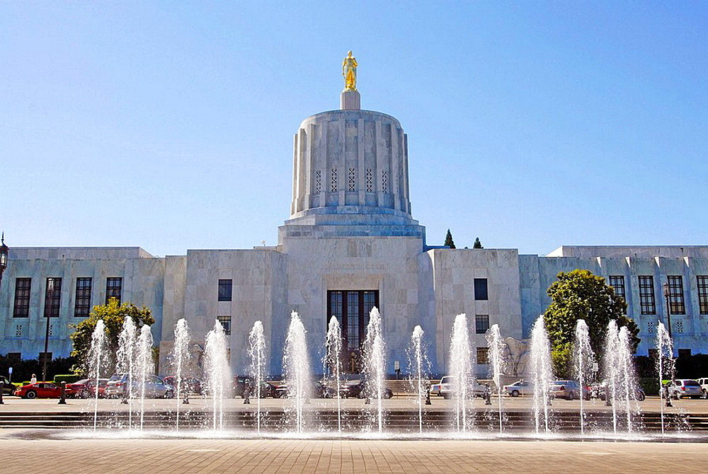 Capitol Building Grounds Salem Oregon OR US United States government legislature legislative law legal government architects Trowbridge and Livingston art-deco design capitol mall water fountain