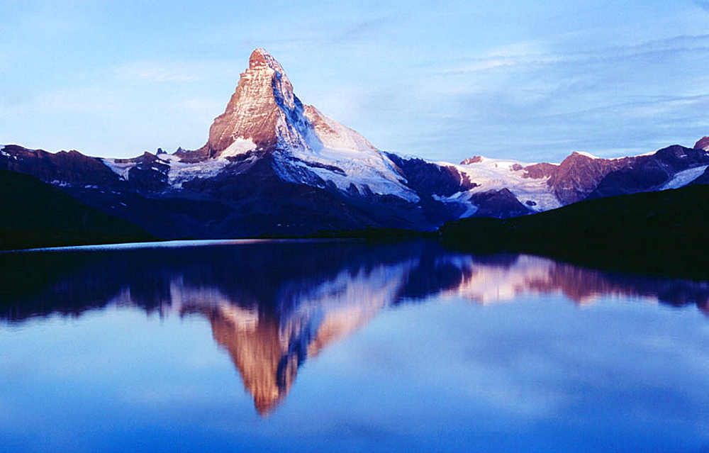 Matterhorn (4478m), Reflection at Stellisee (Stelli) Lake, Alps, Valais, Switzerland