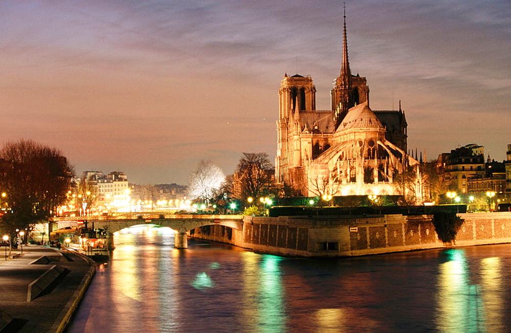 Seine river, Notre Dame, Paris, France.