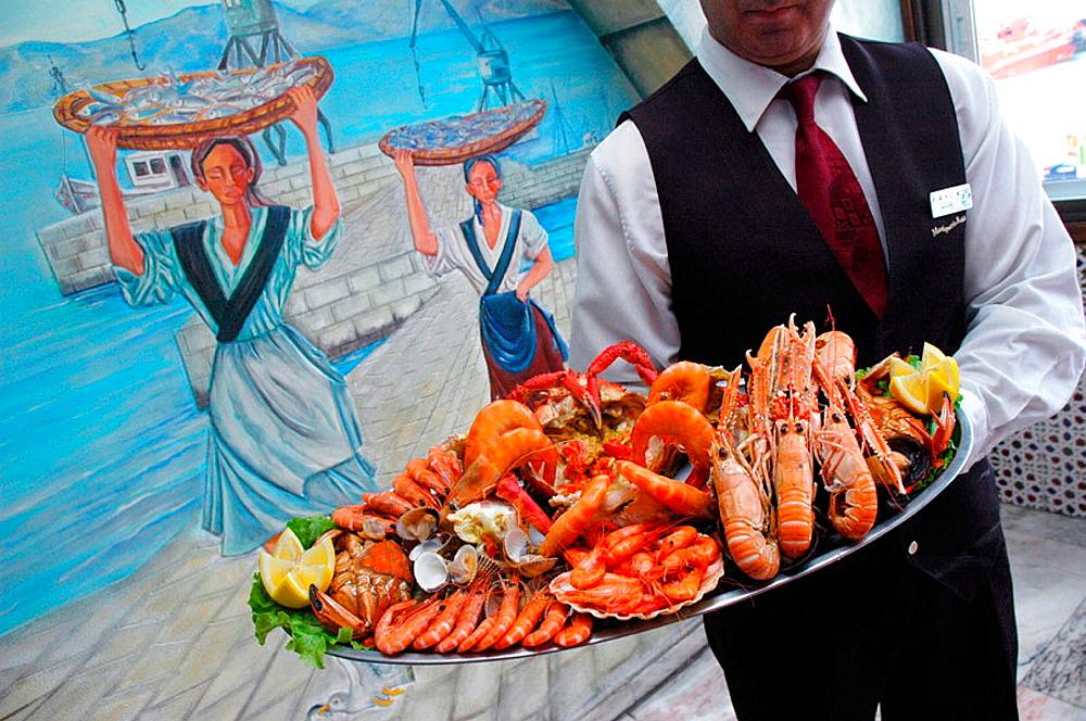 Carrusel de marisco en la Marisqueria Bahia, Vigo, Spain