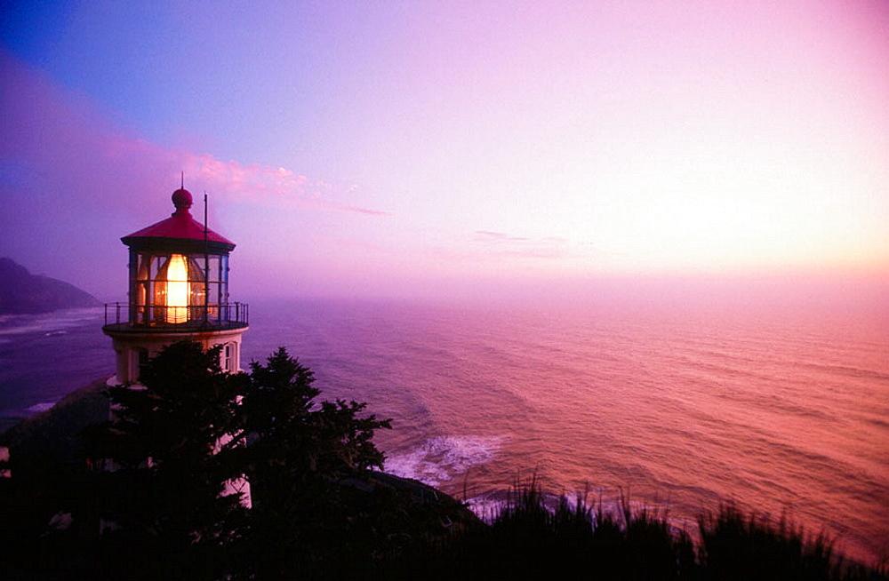 Sunset at Heceta Head lighthouse, Oregon, USA