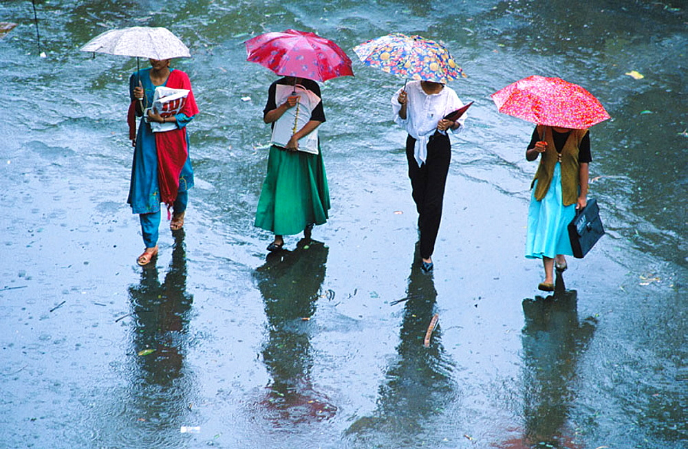 Monsoon in India - 817-1700