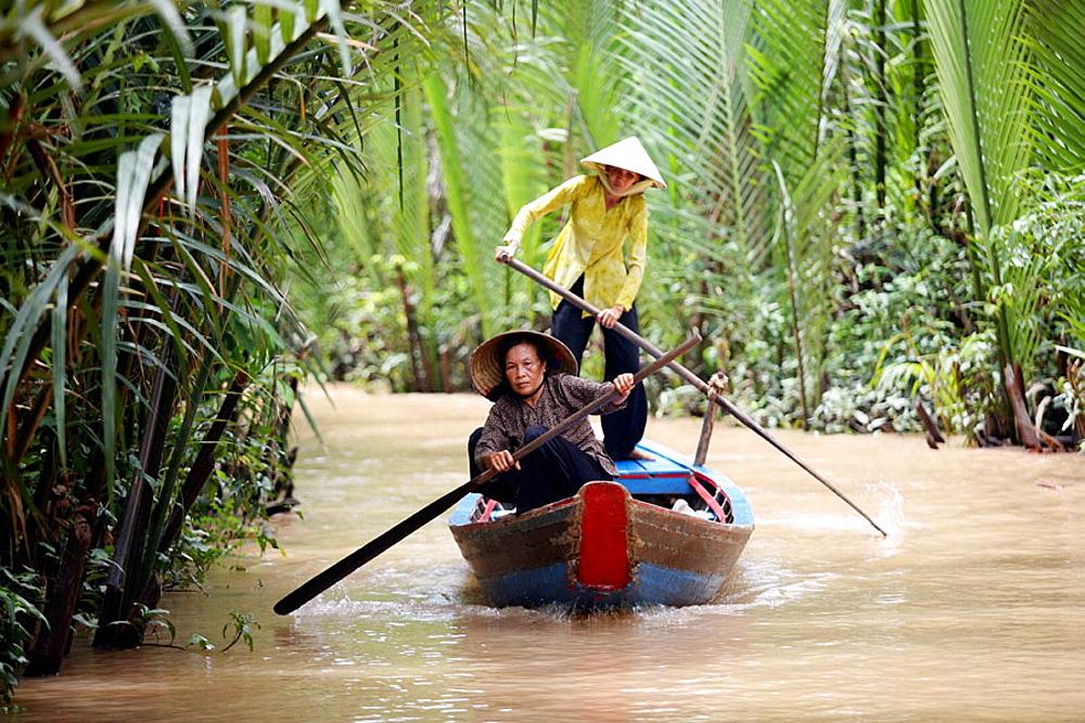Women rowing, Mekong River, Mekong Delta, My Duc, Vietnam