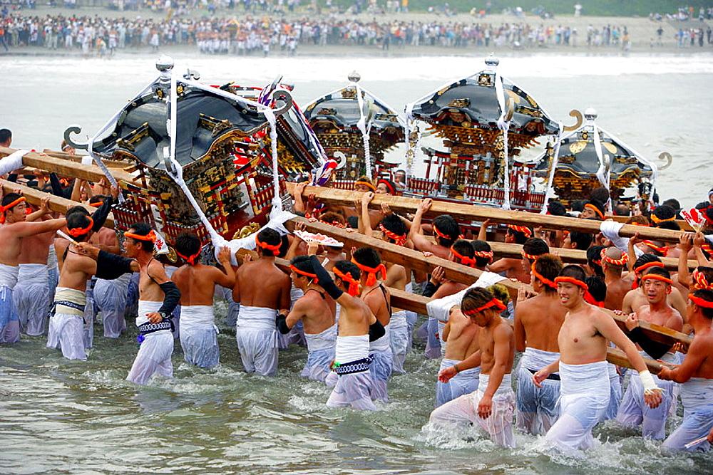 Hadaka Matsuri (Naked Festival), Chiba, Japan (Sept, 2005) - 817-18901