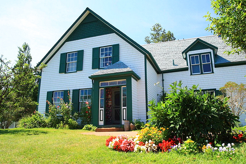 Green Gables is the name of a circa-19th century farm that is located in Cavendish, Prince Edward Island, Canada, The Green Gables farm and its surroundings are the setting for the popular Anne of Green Gables novels by Lucy Maud Montgomery