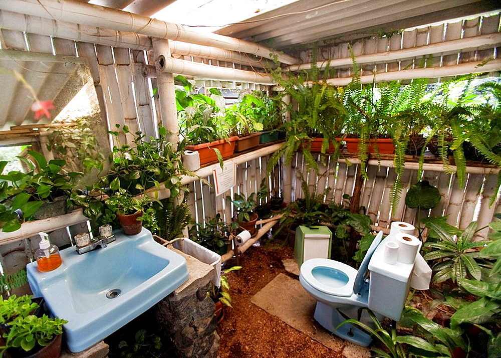 Guatemala, outdoor bathroom