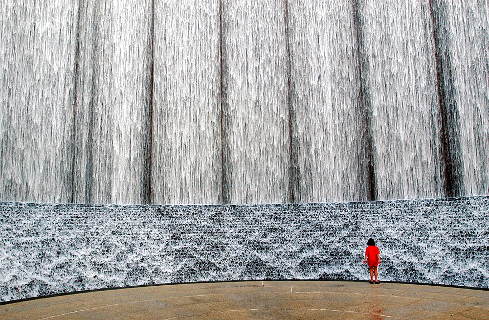 Water wall, Houston, Texas, USA - 817-204468