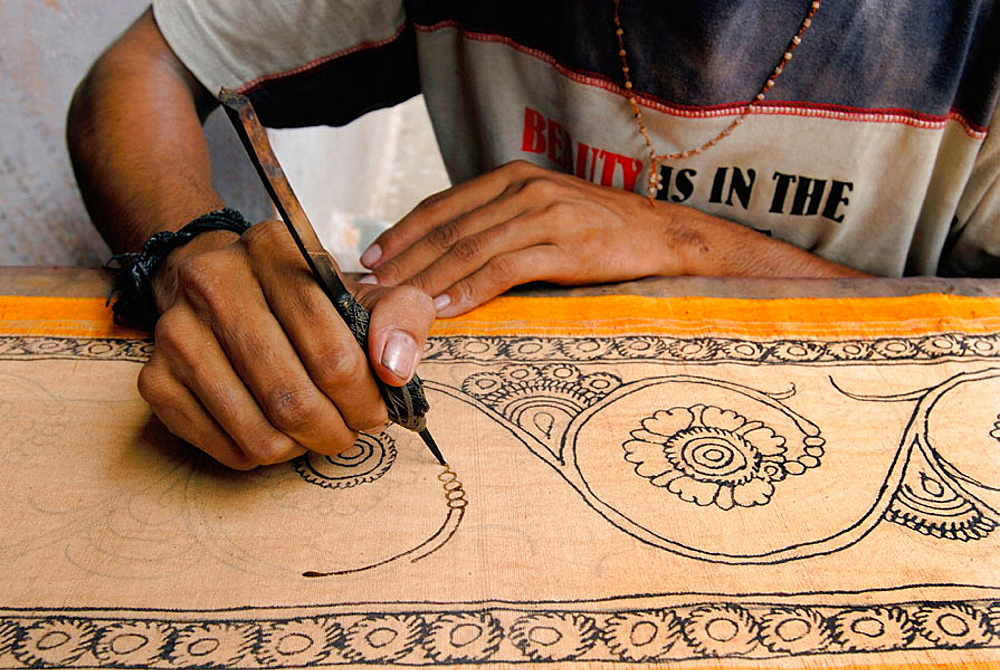 Sri Kalahasti is famous for Kalamkari, a method of painting natural dyes on cotton or silk with a bamboo pen, Figures of gods, trees and birds are first drawn on the fabric and then painted.