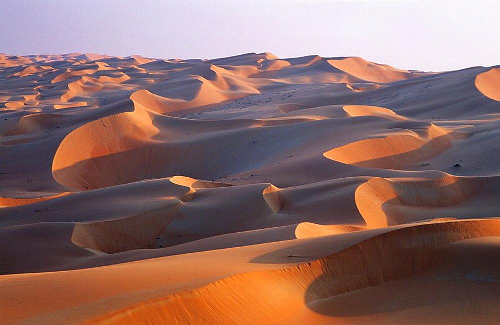 Sand Dunes in the Rub al-Khali    Asia, Arabia, United Arab Emirates, Arabian Peninsula