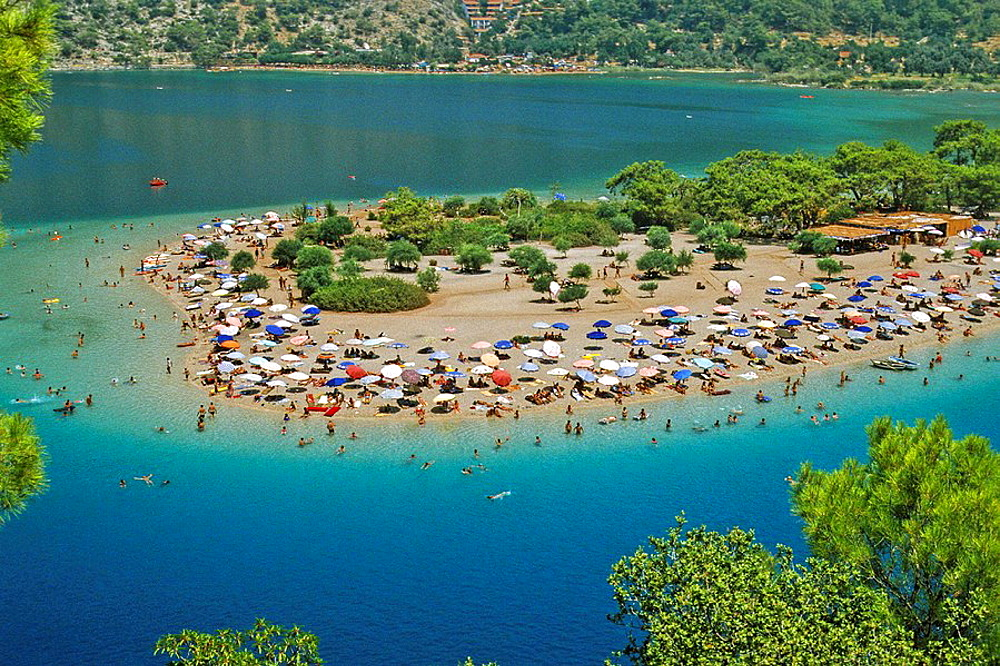 Turkey, Oludeniz, near Fethiye, holiday beach fun - 817-218742