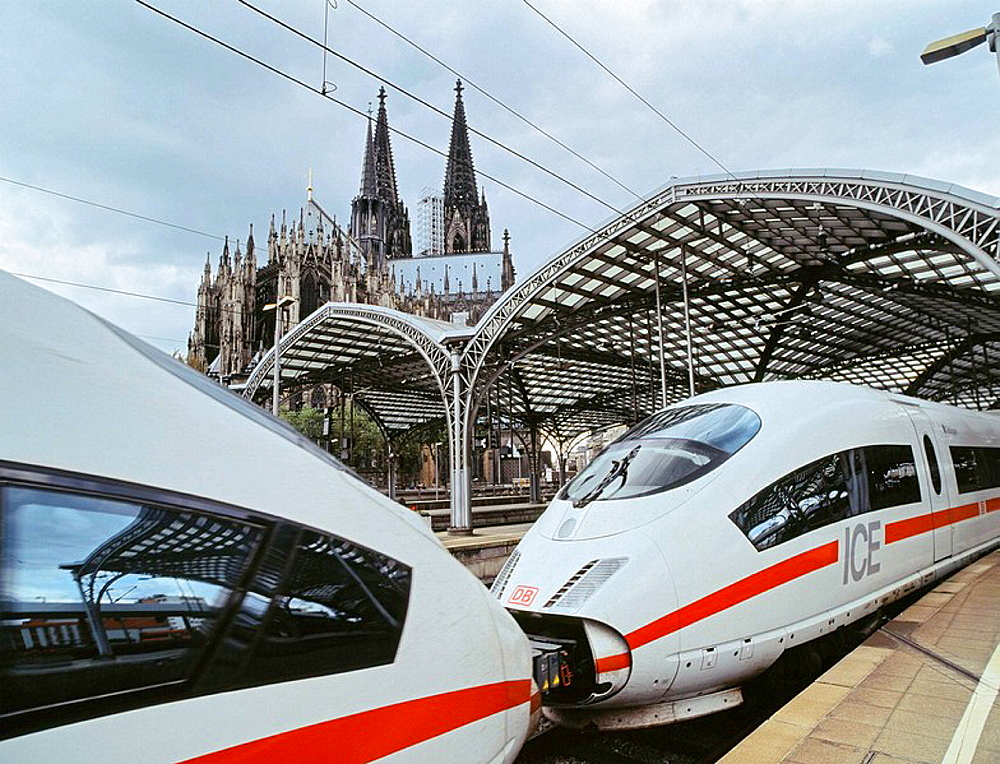 Central station with ICE train and Cologne Cathedral,  Cologne, Rhineland, North Rhine-Westphalia, Germany