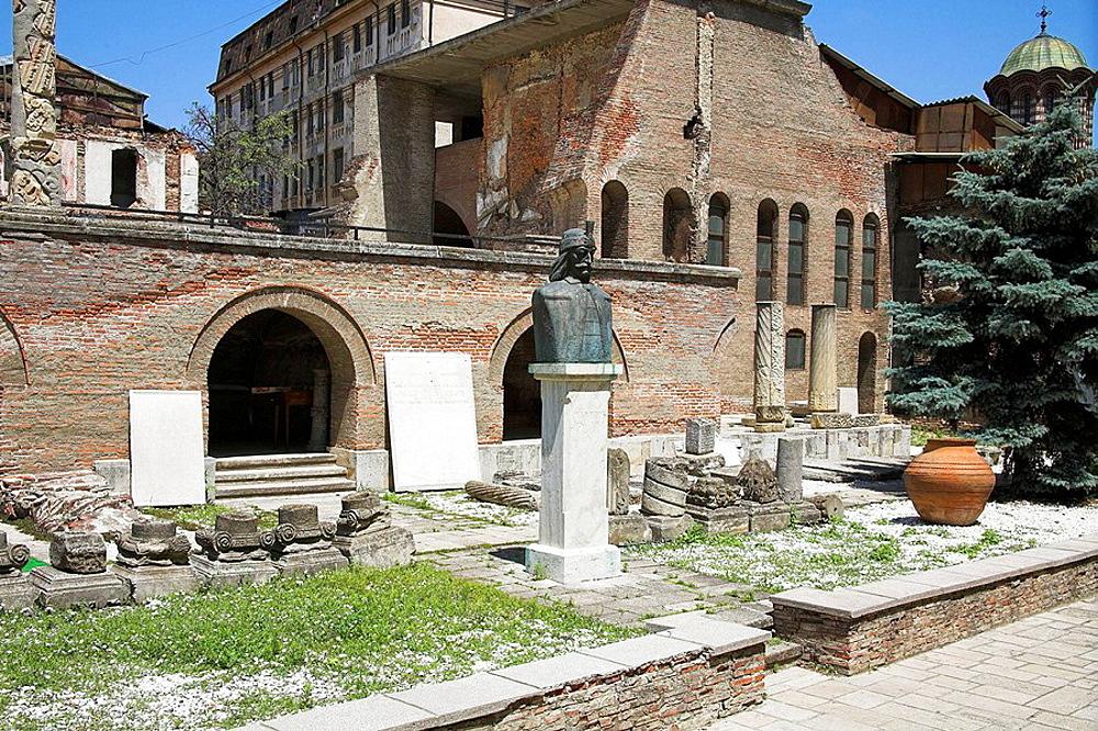 Vlad Tepes Statue, Old Princely Court, Curtea Veche, Franceza Street, Bucharest, Romania