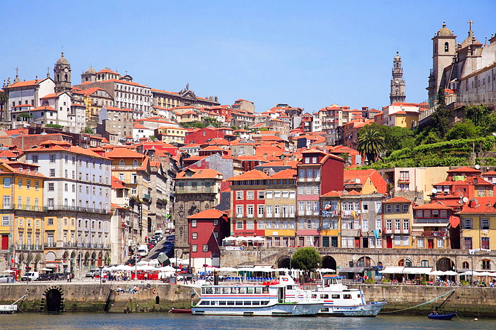 Portugal, Douro, Porto, Ribeira district skyline, Douro river - 817-238383