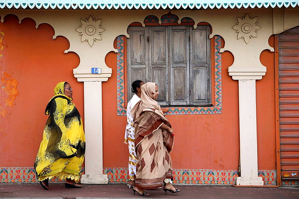 Reunion Island (Indian Ocean, France), St_Denis, street scene, muslim women