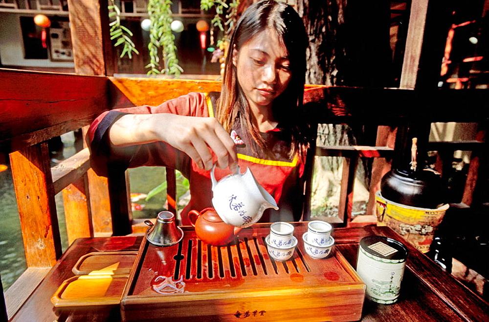 Tea House, Traditional Green tea ceremony, Taichung region, West coast, Taiwan, Republic of China.
