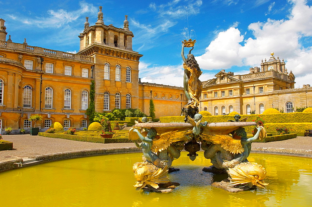 Blenheim Palace Italian Garden and Fountain, England