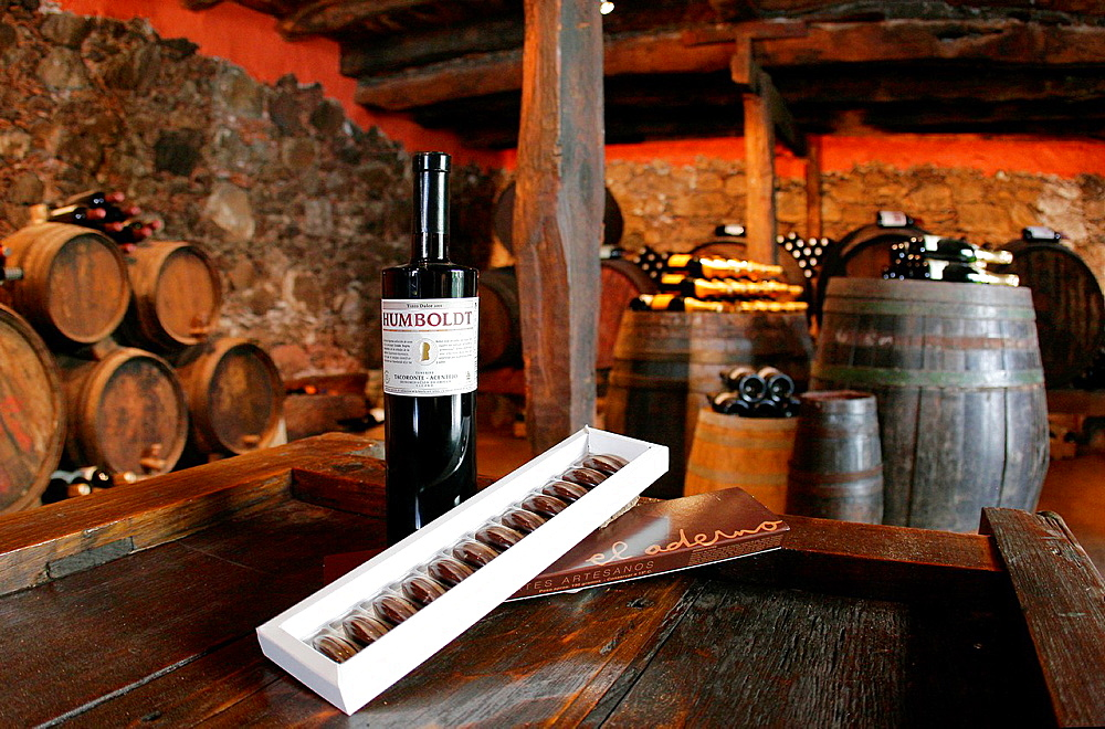 Sebadas (Seadas), Sardinian sweet fritters filled with pecorino cheese ...