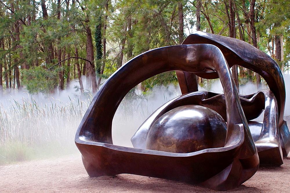 National Gallery, Sculpture Garden, Henry Moore sculpture, Canberra, ACT, Australia