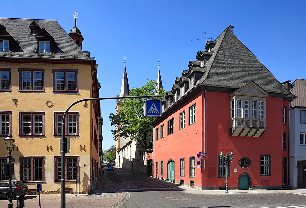 Germany, Koblenz, Germany, Koblenz, Rhine, Moselle, Maifeld, Eifel, Hunsrueck, Westerwald, Rhineland-Palatinate, old town, Kompforte Street, Auf der Danne, left Dreikoenigenhaus with city library, right Old Kraemerzunfthaus, former Mehlwaage, Stadtwaage, behind towers of the Florin Church, UNESCO World Heritage Site Oberes Mittelrheintal, Upper Middle Rhine