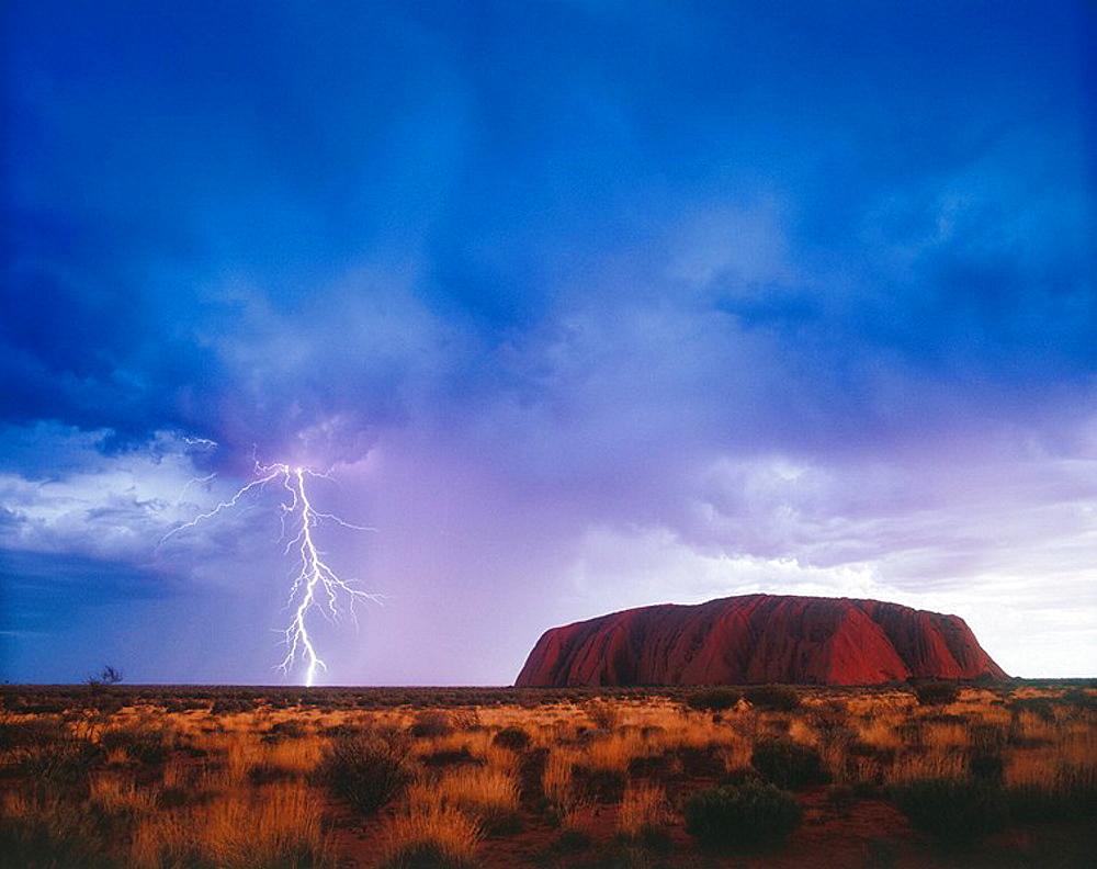 Ayers Rock, Uluru-Kata Tjuta National Park, Northern territory, Australia - 817-2851