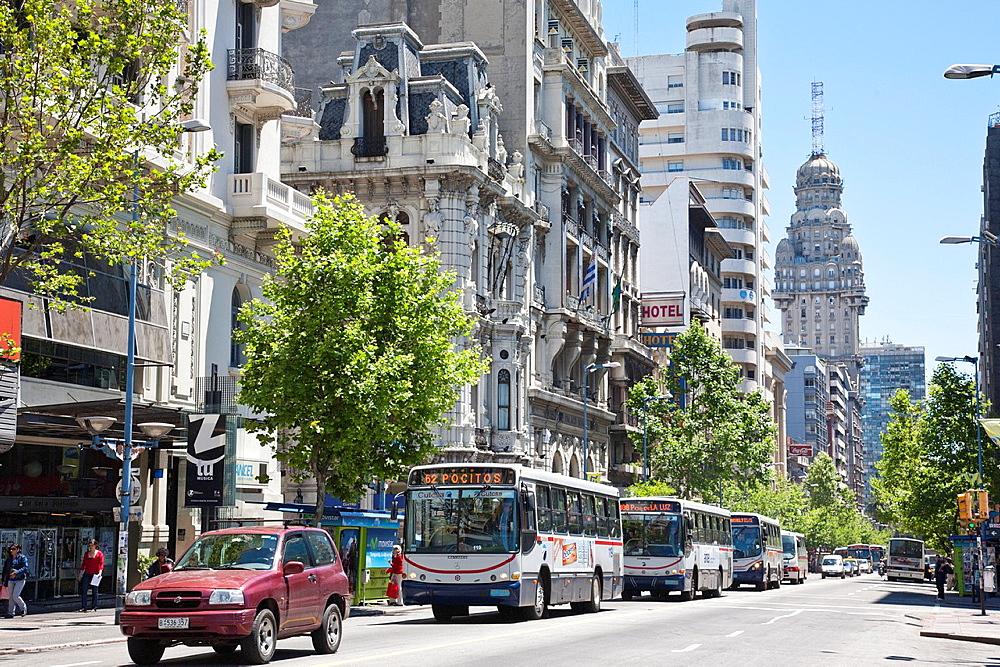 Avenida 18 de Julio, Montevideo, Uruguay