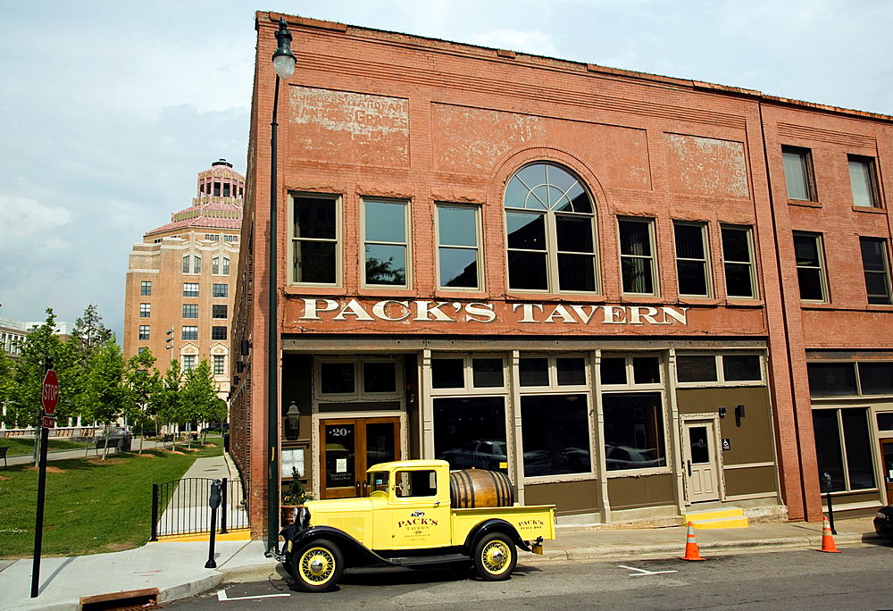 Pack s Tavern, Pack Square, Asheville, North Carolina USA