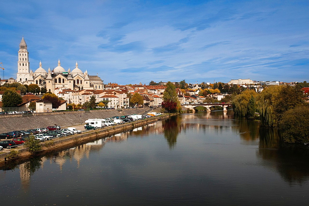 France, Aquitaine Region, Dordogne Department, Perigueux, view of the Pont des Barris bridge and Cathedrale St-Front cathedral from the Isle River