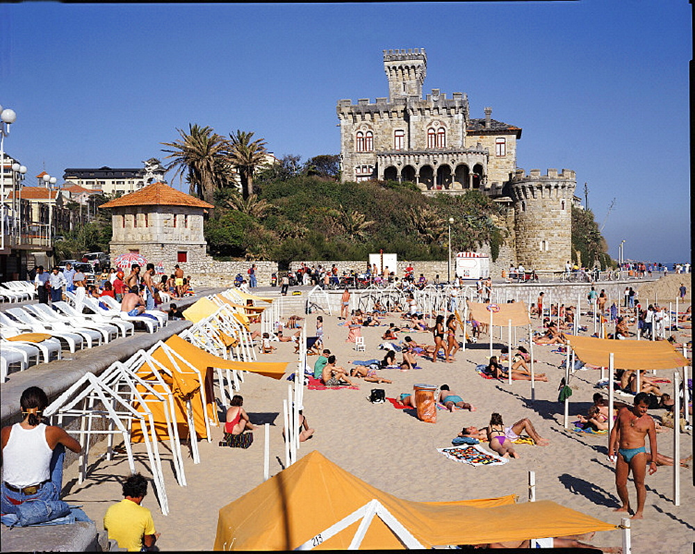 10631925, bathing, beach, castle, Estoril, Estremadura, holidays, spare time, coast, people, sea, person, no model release, Po. 10631925, bathing, beach, castle, Estoril, Estremadura, holidays, spare time, coast, people, sea, person, no model release, Po