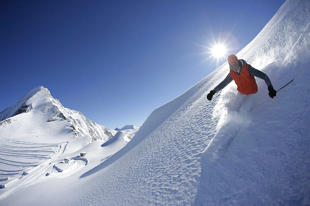 Skiing, ski, action, Carving, holidays, vacation, snow, deep snow, winter sports, winter, sports, Alps, mountains, Aus. Skiing, ski, action, Carving, holidays, vacation, snow, deep snow, winter sports, winter, sports, Alps, mountains, Aus
