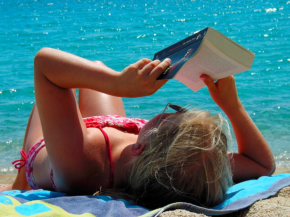 woman, relax recumbent, lie, lying, couches, reading, book reading, relaxed, sunbath, tanning, suns, beach, seashore, . woman, relax recumbent, lie, lying, couches, reading, book reading, relaxed, sunbath, tanning, suns, beach, seashore,