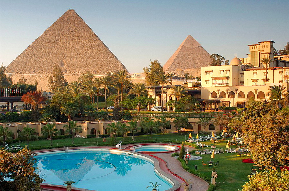 hotel Mena House Oberoi, park, complex, Swimming pool, tourism, Gizeh, pyramids, Cairo, Egypt, North Africa, . hotel Mena House Oberoi, park, complex, Swimming pool, tourism, Gizeh, pyramids, Cairo, Egypt, North Africa,