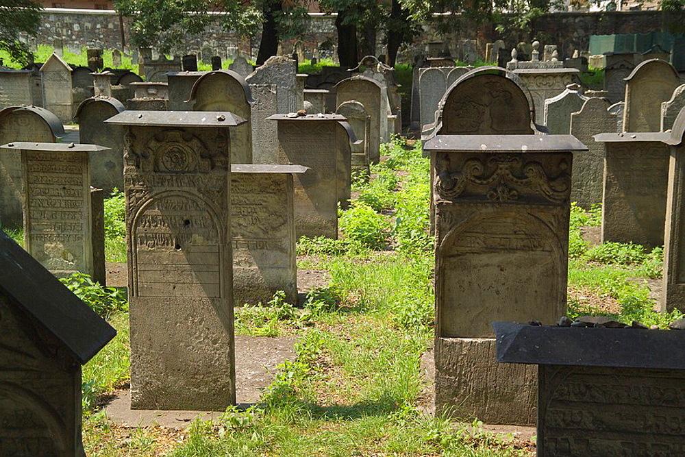 tombstones, tomb, stones, Remuh cemetery, cemetery, Remuh Synagogue, Remuh, synagogue, Kazimierz, Krakow, Cracow, Pola. tombstones, tomb, stones, Remuh cemetery, cemetery, Remuh Synagogue, Remuh, synagogue, Kazimierz, Krakow, Cracow, Pola