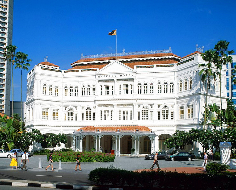 Singapore, Raffles Hotel, Asia, city, landmark, Front, Frontage, Facade, building, Colonia, l, luxury, people, daytime. Singapore, Raffles Hotel, Asia, city, landmark, Front, Frontage, Facade, building, Colonia, l, luxury, people, daytime