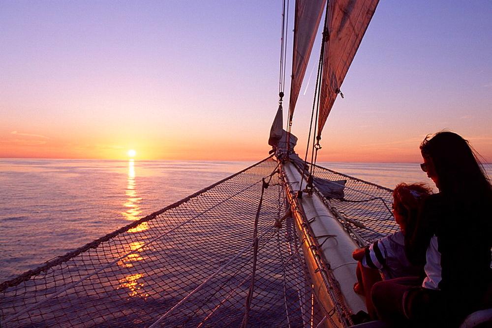Sailship, Star Flyer, Dalmatia, Europe, Croatia, Europe, cruising ship, cruiser, Adriatic sea, women, woman, two, pers. Sailship, Star Flyer, Dalmatia, Europe, Croatia, Europe, cruising ship, cruiser, Adriatic sea, women, woman, two, pers