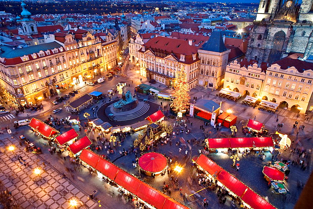 Czech Republic, Prague, Old Town Square, Christmas Market, City, Christmas, Christmas tree, Tyn Church, Color, Colour, . Czech Republic, Prague, Old Town Square, Christmas Market, City, Christmas, Christmas tree, Tyn Church, Color, Colour,