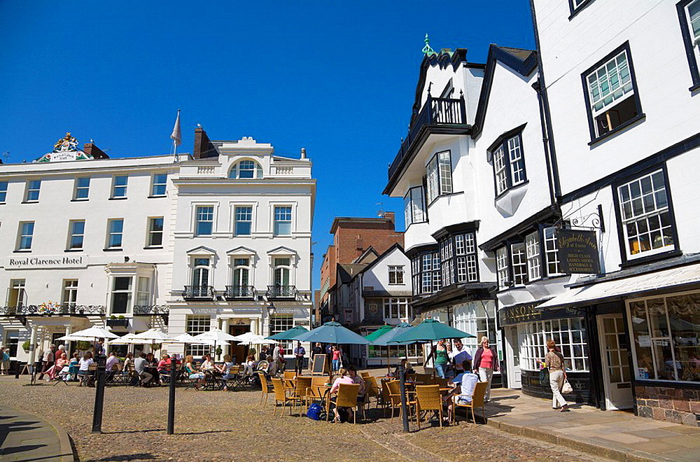 England, Europe, City of Exeter, Devon, Mols, coffee shop, cafe, people, sitting, outside, pavement, table, chairs, Ca. England, Europe, City of Exeter, Devon, Mols, coffee shop, cafe, people, sitting, outside, pavement, table, chairs, Ca