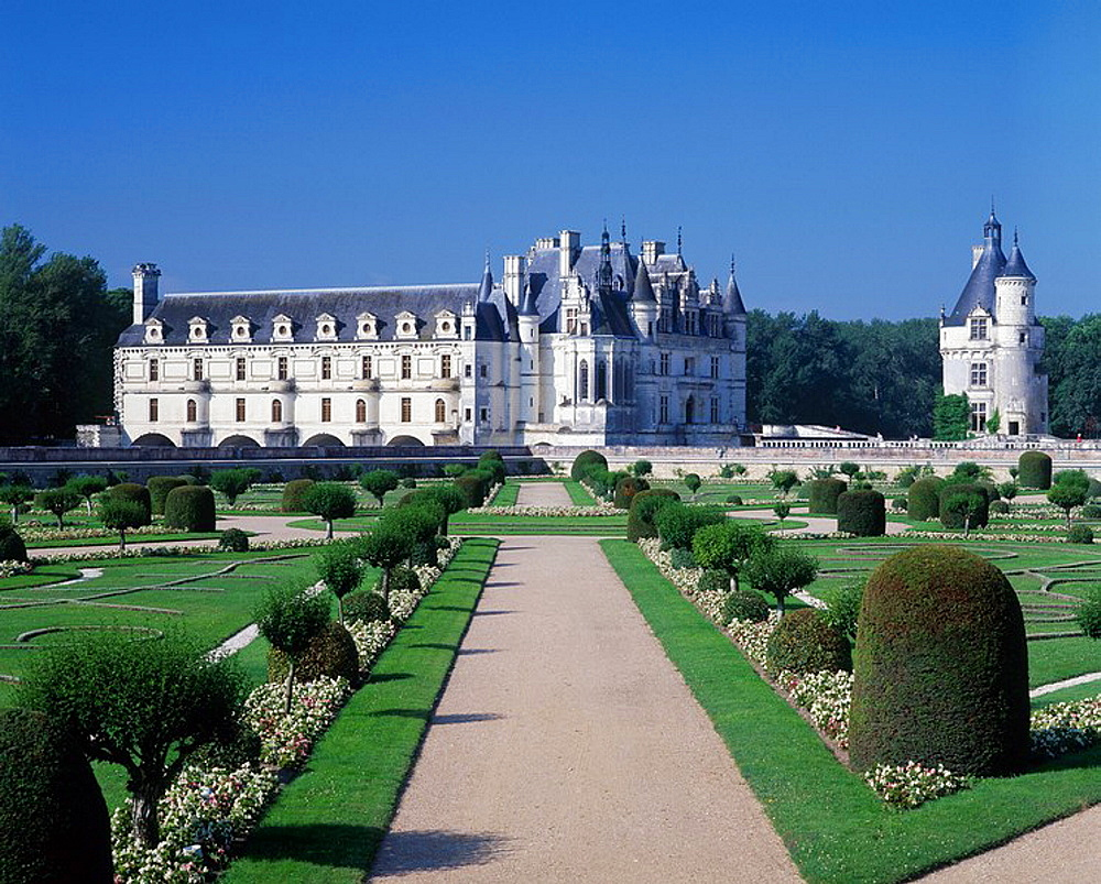France, Europe, Chateau de Chenonceau, Loire Valley, Indre, French, formal, gardens, historical, architecture, buildin. France, Europe, Chateau de Chenonceau, Loire Valley, Indre, French, formal, gardens, historical, architecture, buildin