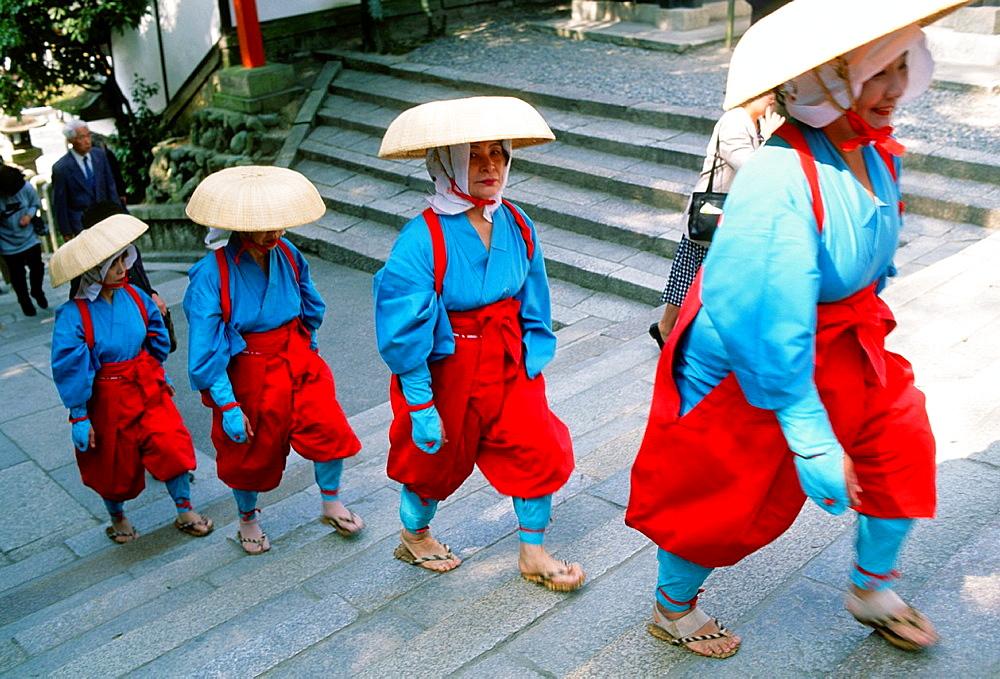 Japan, Kansai, Kyoto, Fushimi Inari, shinto shrine, harvest festival,