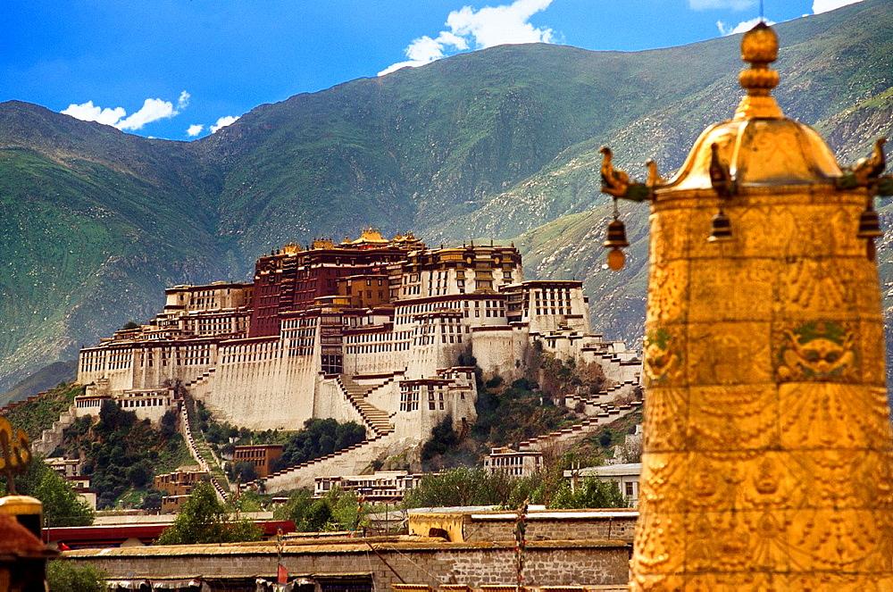 Potala Palace, Lhasa, Tibet CHINA.